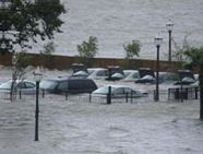 270px-Hurricane_Katrina_Mobile_Alabama_flooded_parking_lot_20050829
